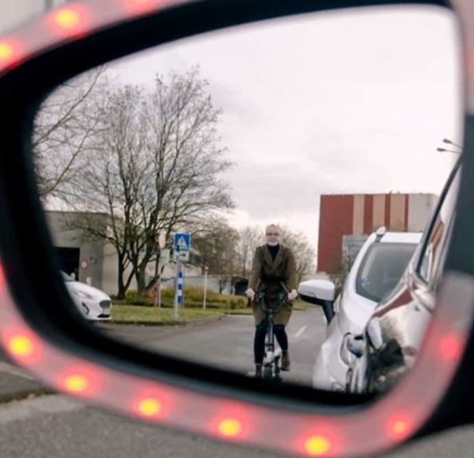 New Car Tech Could be Just What Cyclists Want – a Warning That Helps Stop Drivers 'Dooring' Them